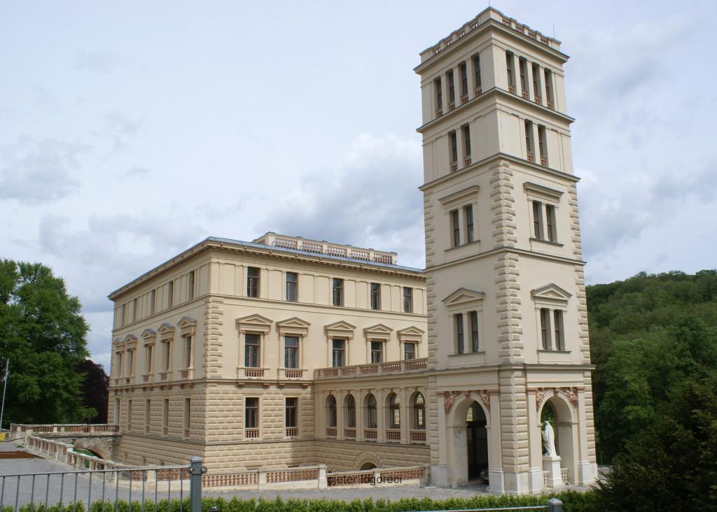 Pallati madhështor i Dinastisë së Baronëve Sina