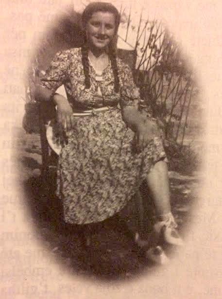 """Sadete Lleshi - 1937, babanë Muharremin ia pushkatuan, edhe vëllanë. Nëna e autorit të """"Tirana e përgjakur"""" z. Alimehmeti"""