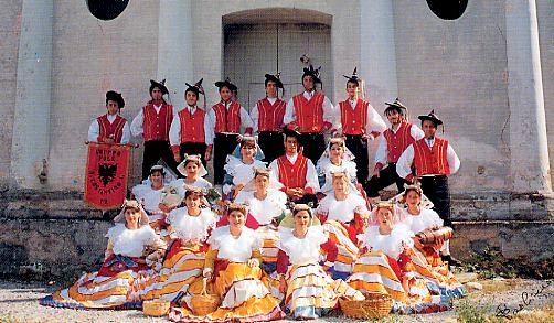 Grup arbëresh këngësh e vallesh nga San Costandini