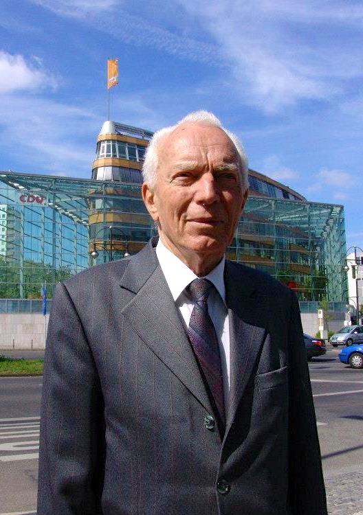 Akademik Mark Krasniqi (1920-2015)