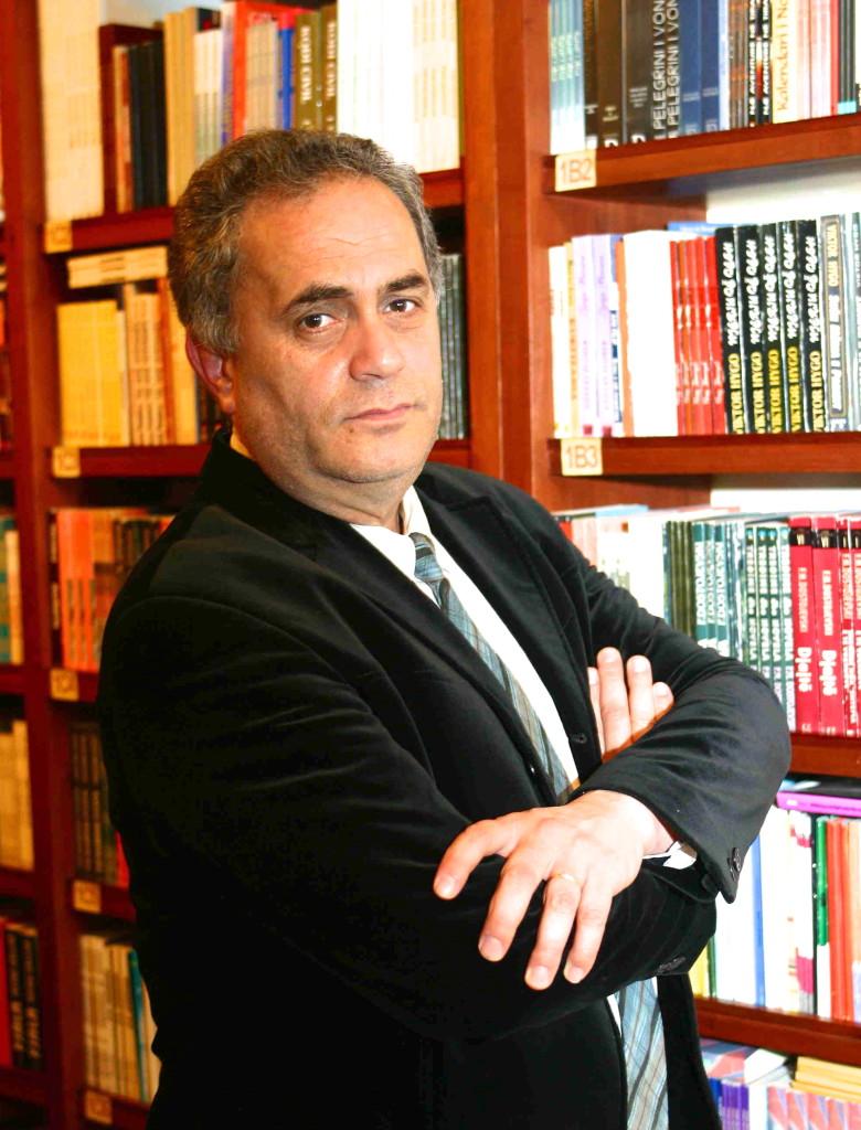 Profesor Artan Fuga