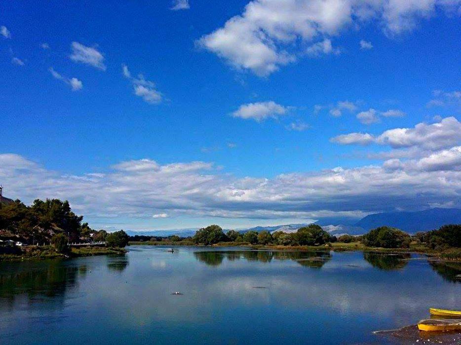 Peisazh i liqenit te Shkodres