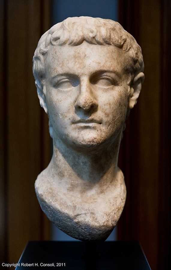 Perandori Caligula (0012-0041)
