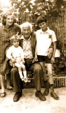 Lazer dhe Vitore me dy nipat e tyre- Ervis Dine dhe Antonio Saver 1989