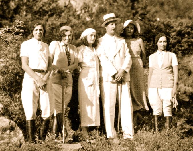 Ahmet Zogu dhe familja ne picknic