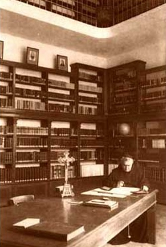 Gjergj Fshta ne Biblioteken Franceskane