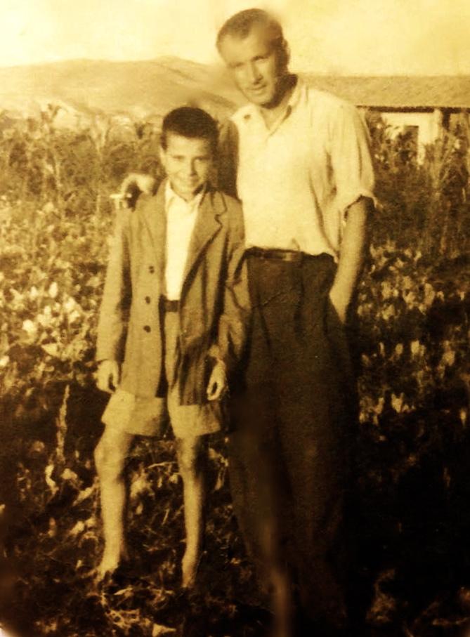 Lazër Radi me të birin Alfredin. Savër 1954