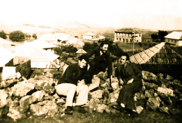 Migjeni, Lazër Radi dhe Hajdar Delvina - Pukë 1936