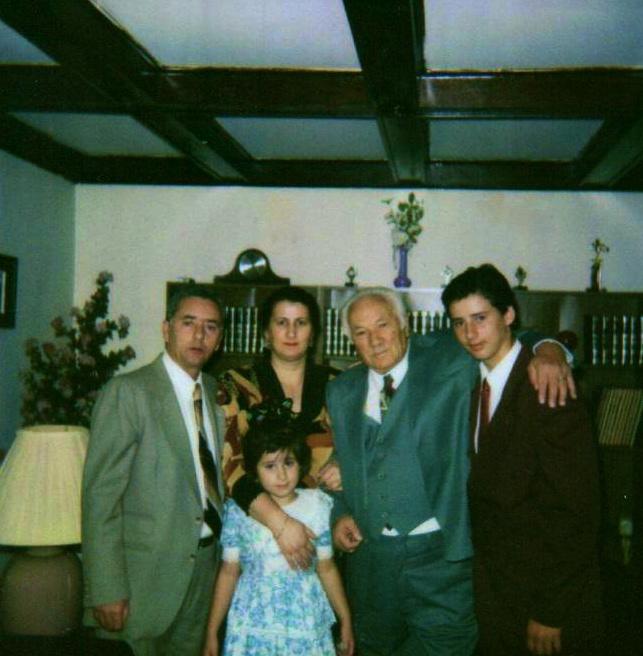 Lazer Radi New York 1994 - Te shtëpia e Vajzës, Adriana