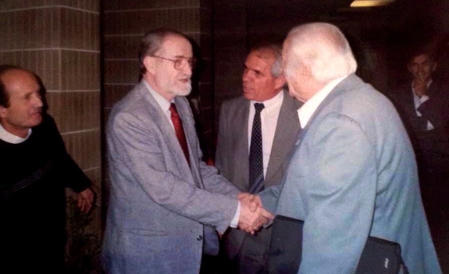 Takimi me intelektualin Gjon Sinishtёn - Tiranё 14 tetor 1994