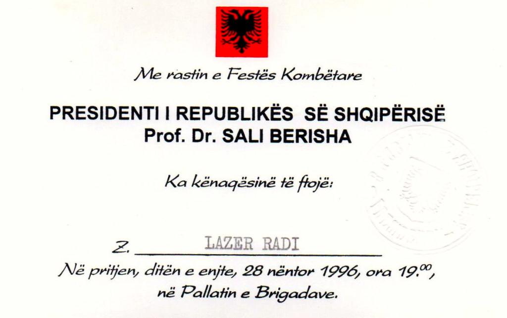 Presidenti i Republikёs Sali Berisha ftesё z. Lazёr Radi Tiranё, 28 Nёntor 1996