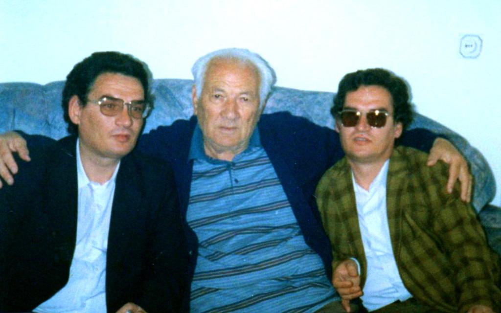 Lazёr Radi midis poetёve Dritan dhe Arben Shehu - Tiranё, 15 nёntor 1997