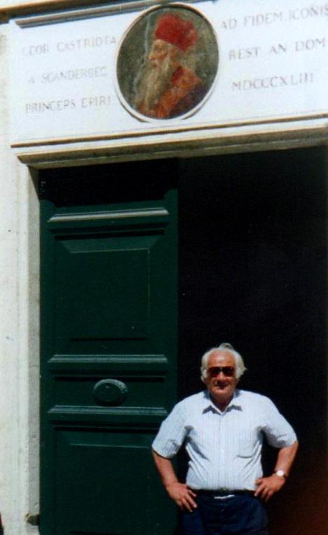Lazri dhe porta ku jetoi Skёnderbeut - Romё 1991