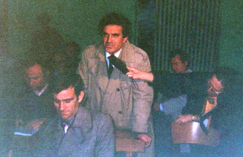 """Uran Butka nё bibliotekёn e Lushnjes - Promovimin e librit """"Muret e Muzgut"""" tё Lazёr e Jozef Radit - Lushnje 10 dhjetor 1993"""