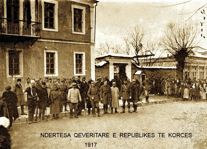 Administrata e qytetit te Korçes dhe Kolonel Descoins 10 dhjetor 1916