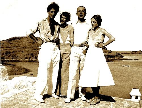 Salvador Dali - Gala, Paul Eluard- Nusch - Port Light 1931