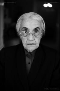 Nexhmije Hoxha (1921-2020)