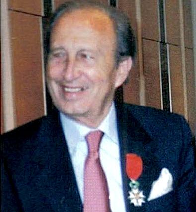 Jusuf Vrioni 1998 Paris Ceremonia e Urdhërit Chevalier de la Légion d'Honneur