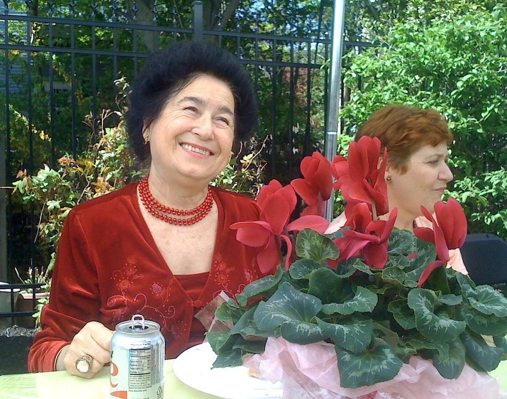 Rozi Theohari (1939-2014)