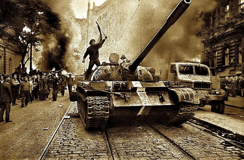 Tanket në Pragë