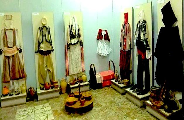 Muzeu etnografik i Veshjeve te Myzeqese