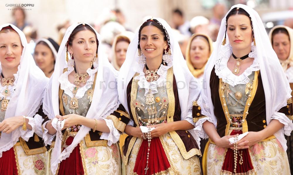 Veshje dhe bukuri te Sardenjes
