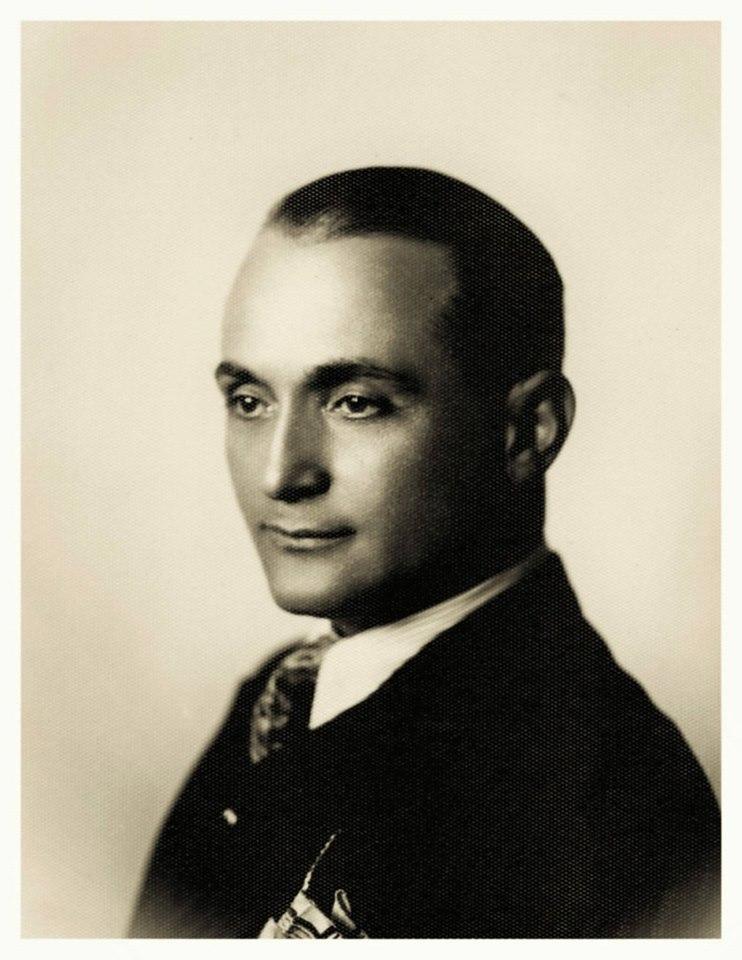Tiranë, mars 1934 - Agop Markarian sapo ka mbushur 36 vjeç.