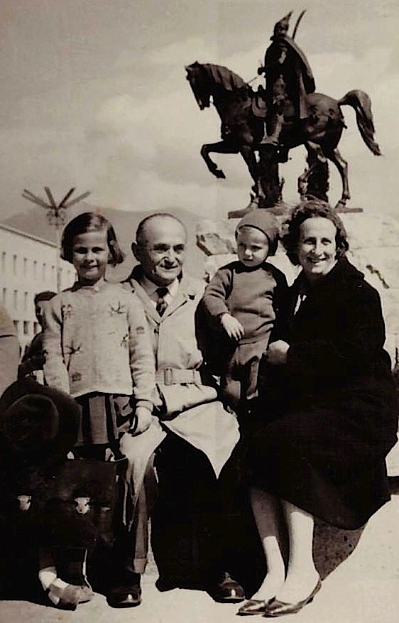 """Familja Markarian - Tirane, mars 1968"""