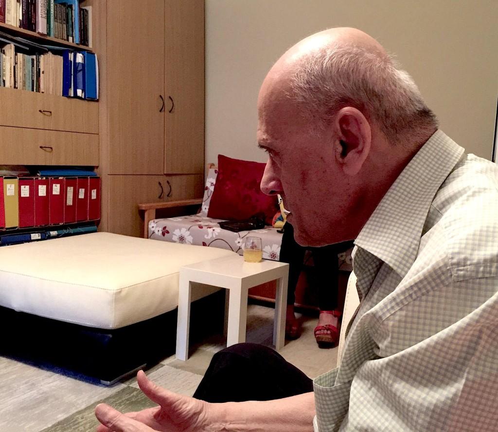 Kasem Trebeshina në studion e tij... qershor 2016