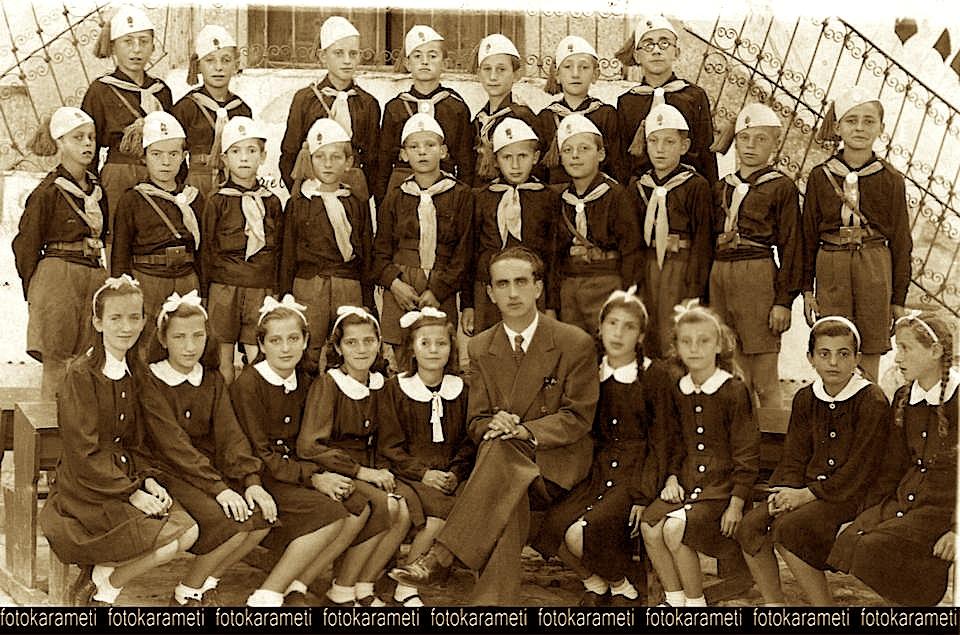 Dibër e Madhe, viti shkollor 1942/43 (foto Mirela Pustina Korumi)