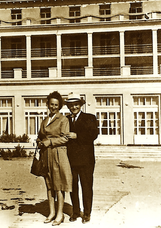 """Durrës, Nëndor 1961 - """"jam edhe une ne kete foto......"""