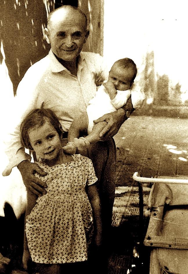 Korrik 1966 - Im atë, unë dhe im vëlla 1 muajsh
