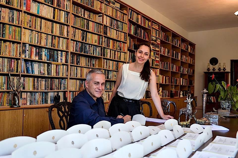 Elia Zaharia dhe Avni Delvina me ftesat e Dasmës së 8 Tetor 2016