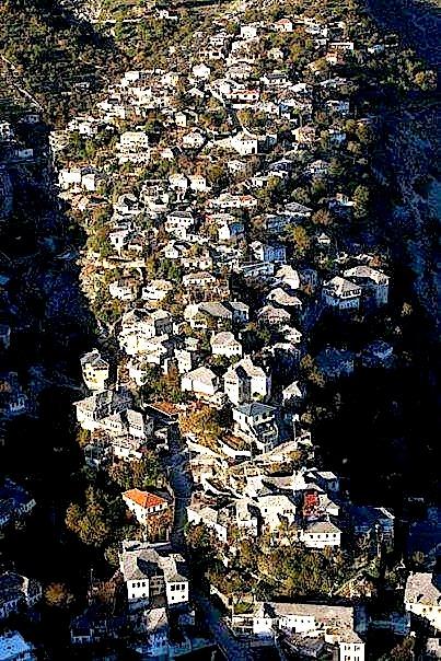 Gjirokastra - në shpat mali