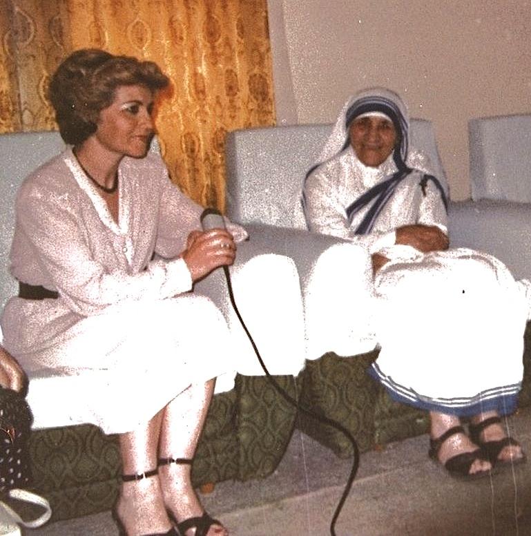 Gazetarja Tefta Radi dhe Nënë Tereza - 1989