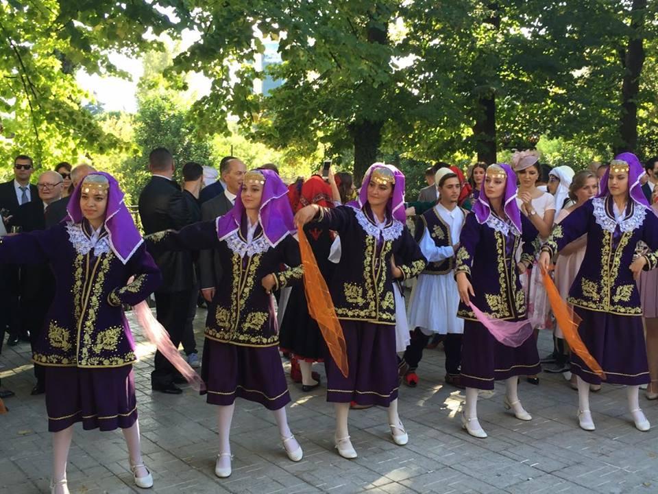 Valle e kostume grash Shqiptare te Jugut