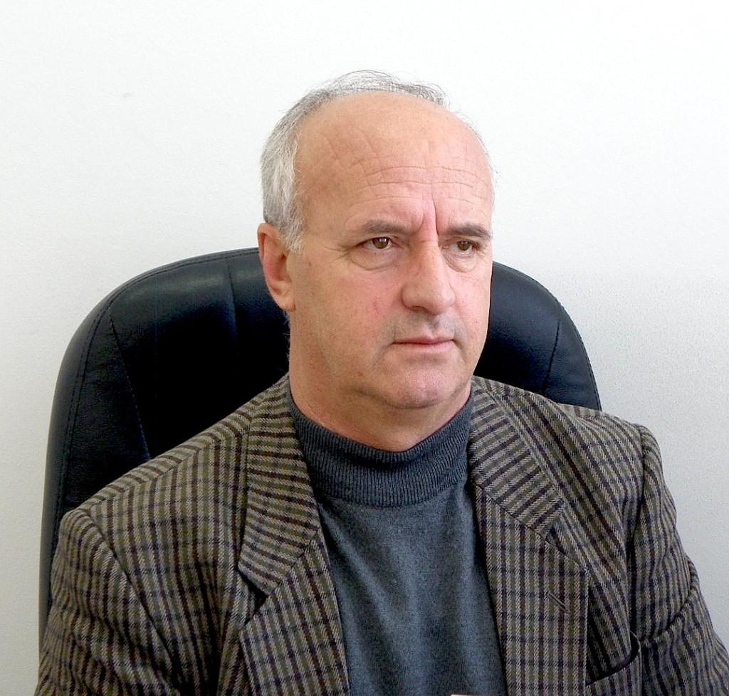 Adem Gashi - Shkrimtar