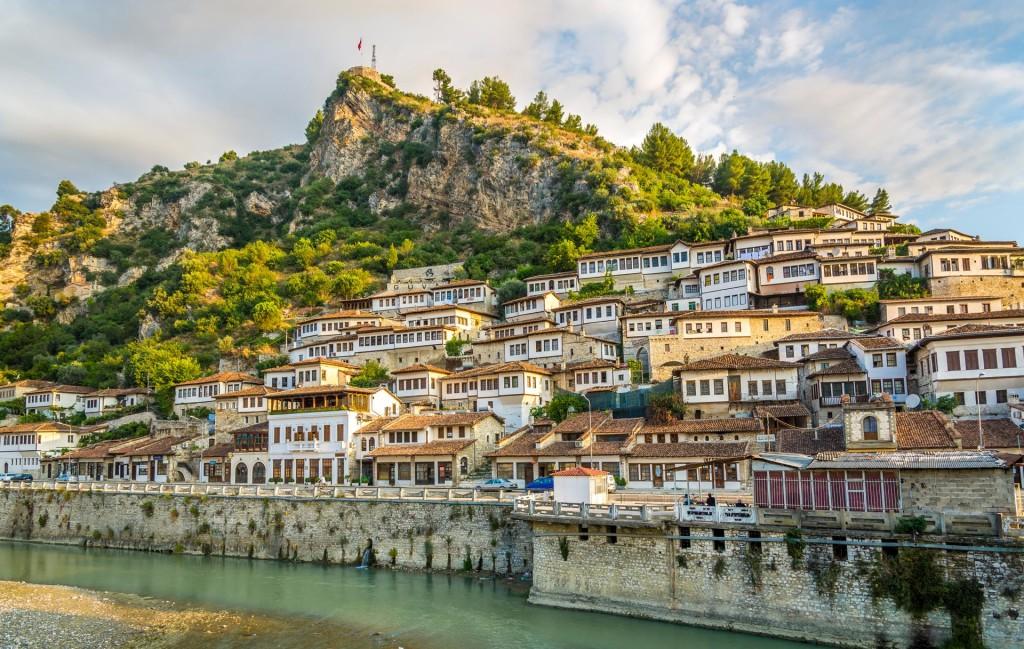 Berati - Qytet i nji mbi nji dritareve