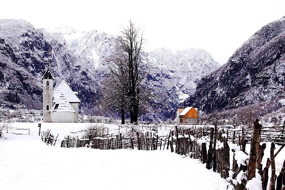 Thethi në dimër