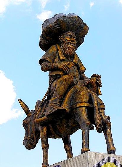 Statuja e Nasradin Hoxhes