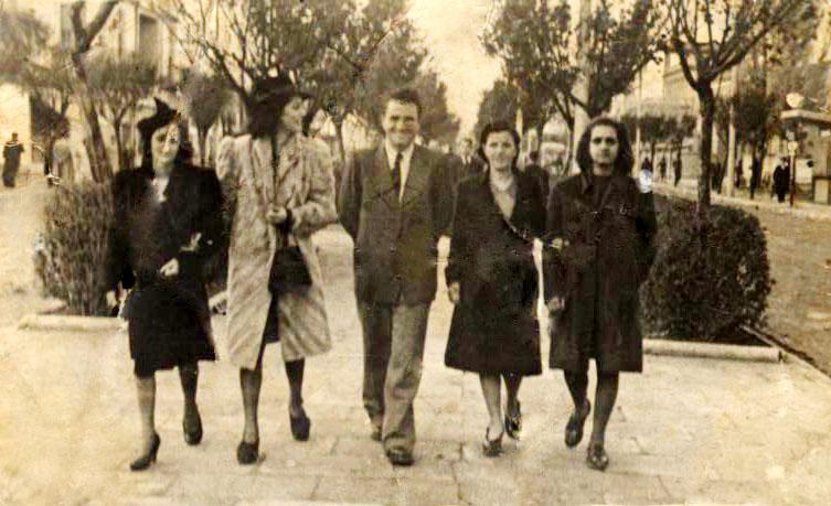 Roza Radi, Vitore Radi, Filip Ndocaj e Gjuliana Radi - Tirane 1942