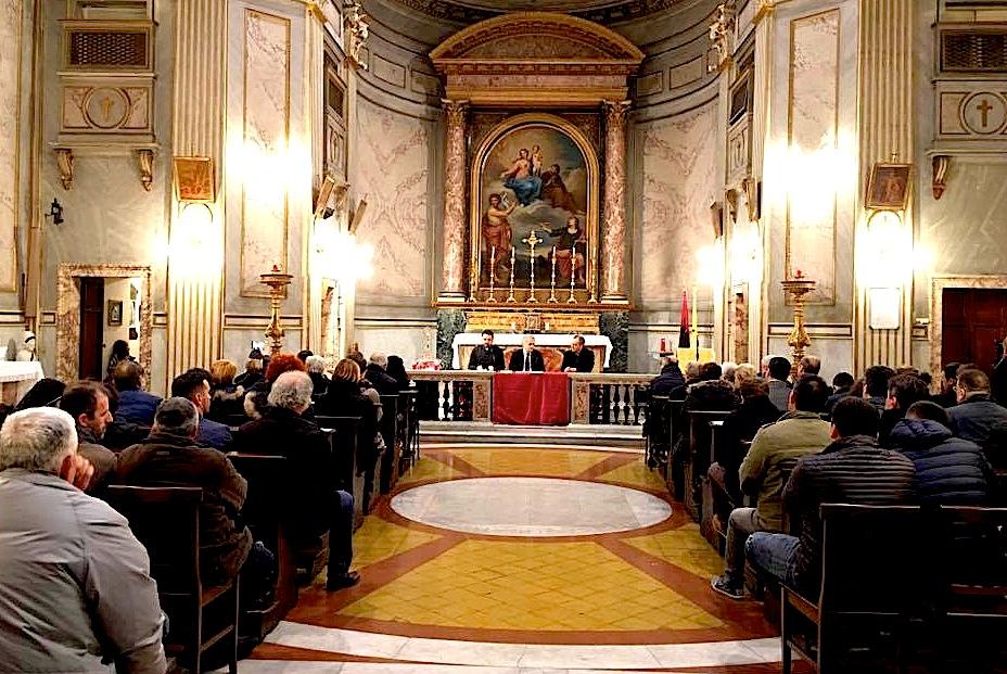 """Salla e Konferencës ne Rektoratin e """"San Giovanni della Malva"""""""