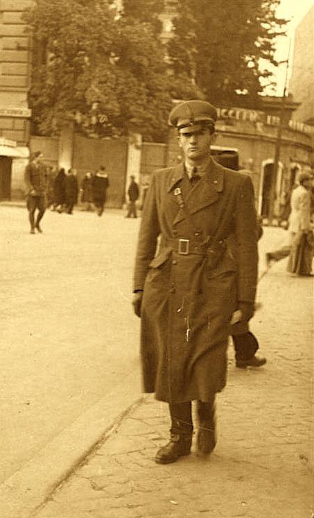 Oficer në armën e kalorësisë Bolonja, qershor 1941
