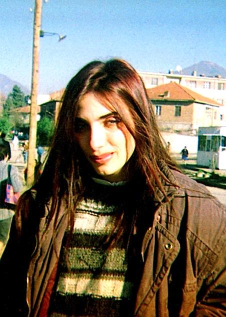 Poetja Mimoza Ahmeti ne fillimet letrare