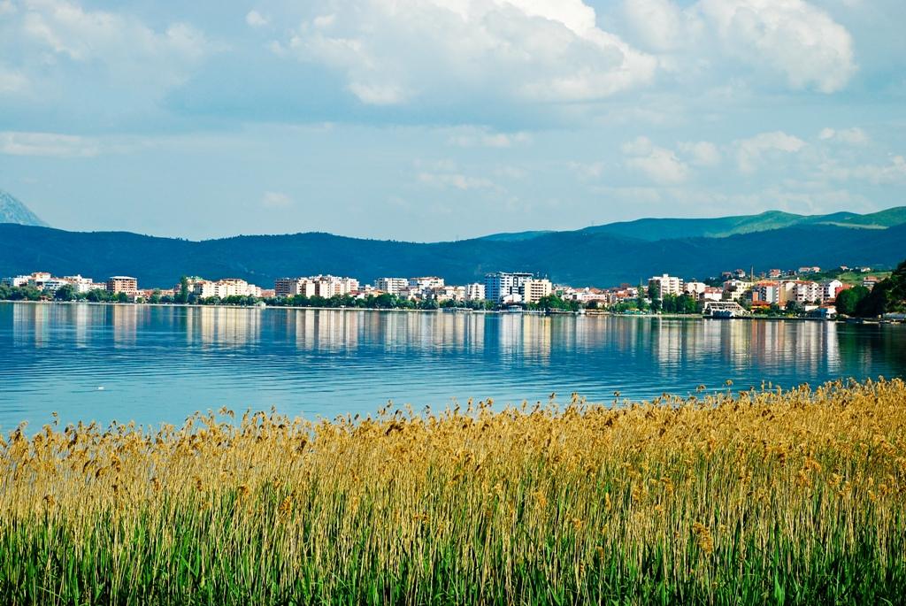 Pamje nga Liqeni i Pogradecit