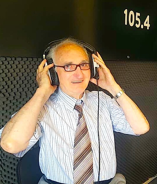 Lek Pervizi ne studiot e Radio-Panik