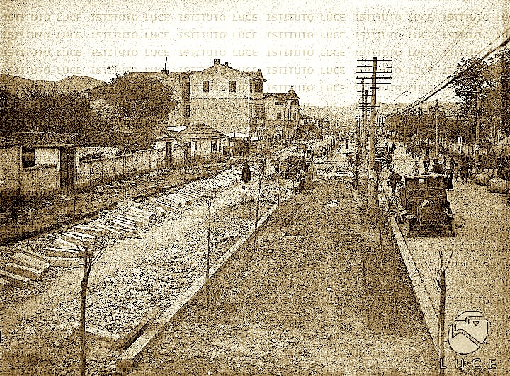 Kur ndërtohej rruga... që sot quhet Kavajës (edmond bermema)