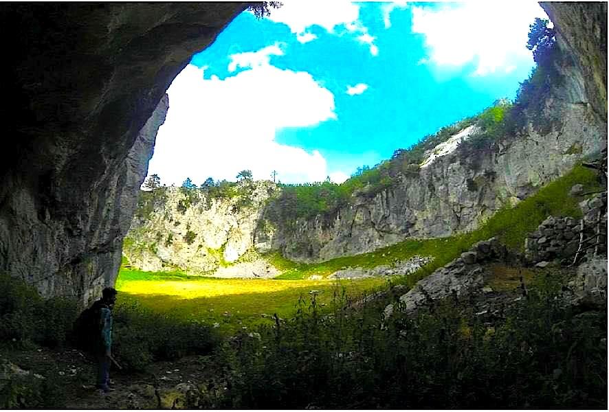 Shpella e Kakverrit