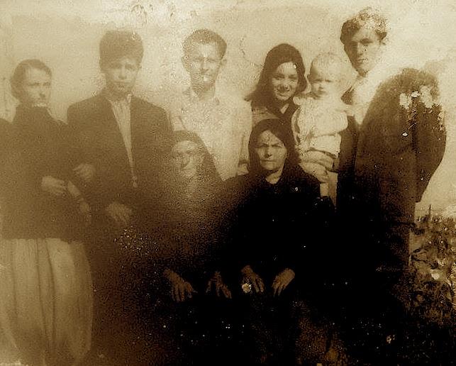Familja Capaj ne kampet e interrnimit