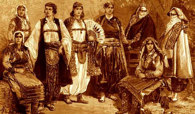 Tetë gra shqiptare me veshje të ndryshme